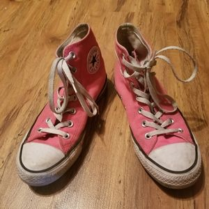 Converse Shoes - Pink high top converse